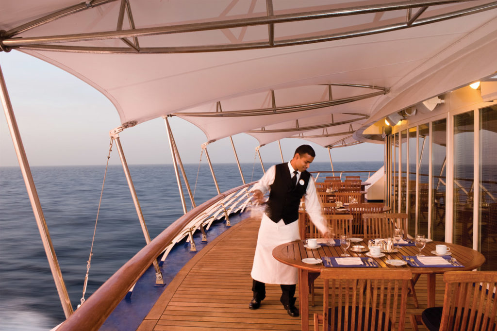 Explore World class dining option on your cruise holiday